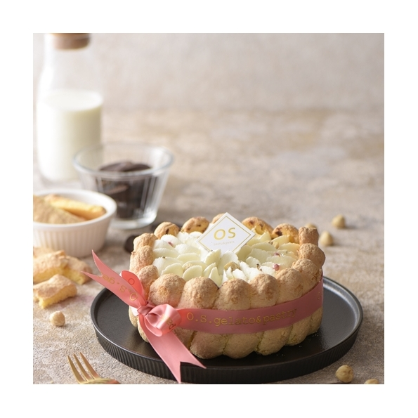 夏洛特榛果巧克力冰淇淋蛋糕
